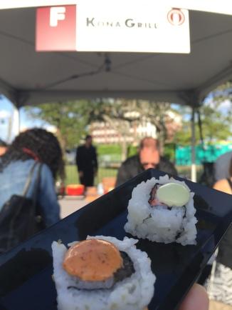 Sushi! peekaboo @doesitcomewithbacon